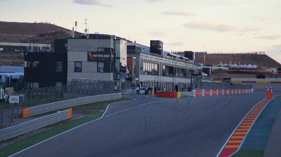 pit-straight-viewed-from